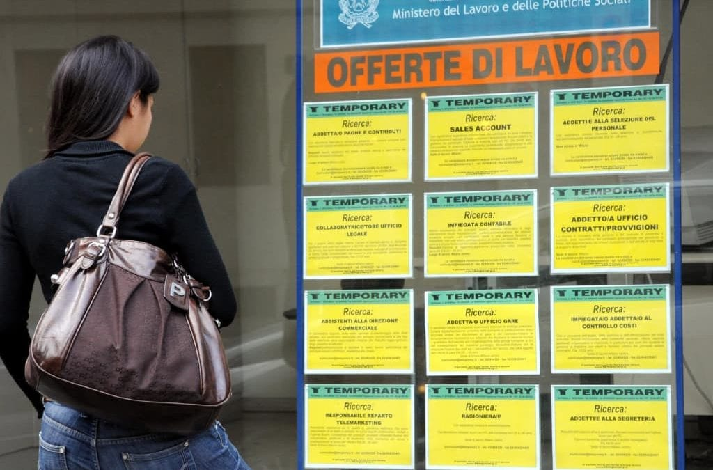 2.5M Italians jobless, 200K+ unfilled vacancies. What's going on?